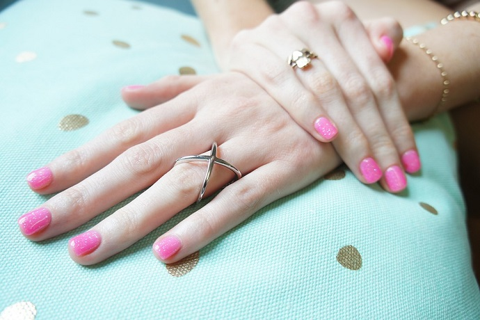 Discover how to become a nail technician and carry out gel treatments