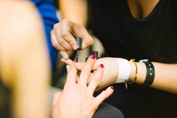 Access jobs in the beauty industry with a nail technician course