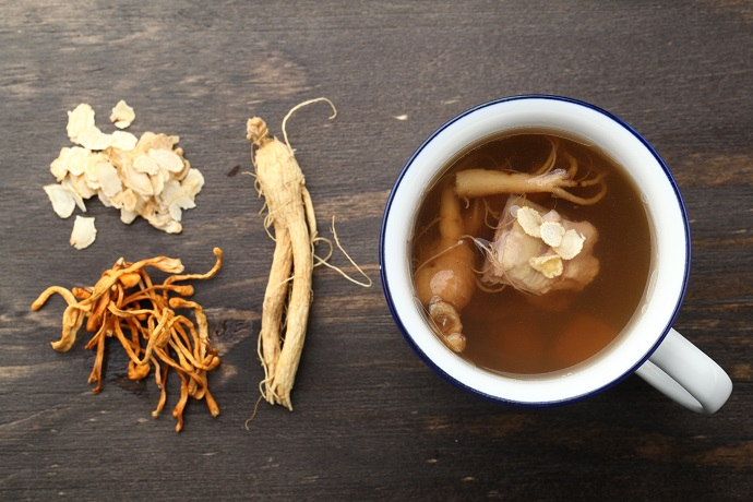 ginseng herbs in tea cup