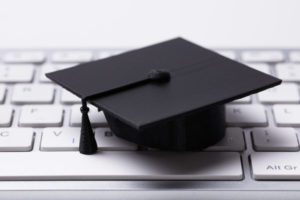 4 Reasons to Choose Distance Learning